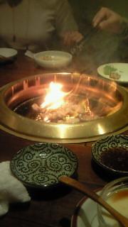 ♪焼肉焼いても、家焼くな〜